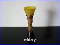 Ancien vase diabolo Gallé dégagé à l'acide. Art nouveau. Pate de verre