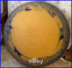 Belle vasque de lustre ART-NOUVEAU verre marmoréen moulé JEAN NOVERDY Signée