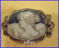 Broche ancienne Art Nouveau Femme en pate de verre pendentif Jugendstil