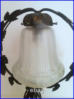 Lampe Sur Pied Monture Fer Forger Tulipe Verre Depoli Degue Epoque 1900