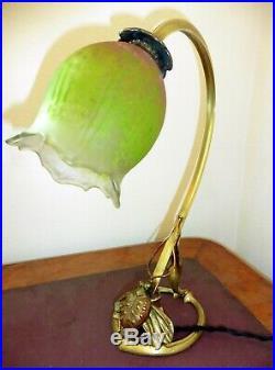 Lampe col de cygne bronze MAJORELLE tulipe en pâte de verre signée DAUM NANCY