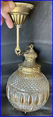 Lustre Art Nouveau Monture Bronze Boule Verre Irisé Jaune Et Blanc