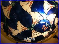 Lustre Suspension Art Nouveau en Verre émaillé peint Signé Fargue Monture Bronze