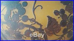 Suspension Art Nouveau verre doublé et dégagé à l'acide signé RICHARD BURGSTHAL