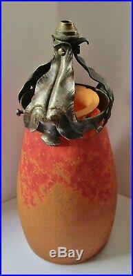 Tulipe pâte de verre Art Nouveau DAUM NANCY et sa griffe fer forgé Chapelle